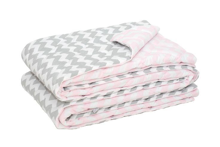 Narzuta dwustronna na łóżko chevron szaro różowa 140x205 cm