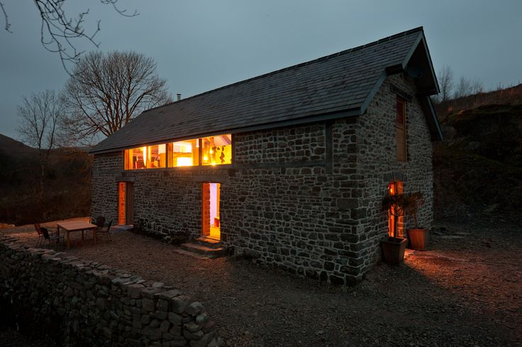 Luxury holiday home in Wales – contemporary and unique cottage in secluded, private location near Builth Wells, Wales UK. sleeps 6.