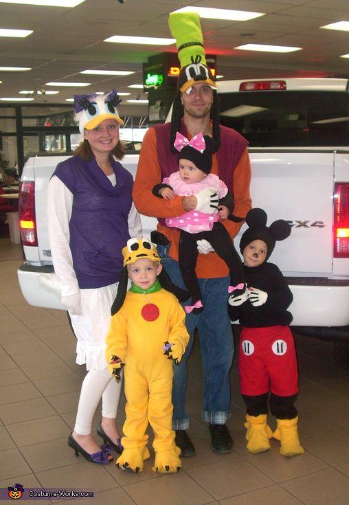Mickey Mouse Crew - Family Halloween Costume