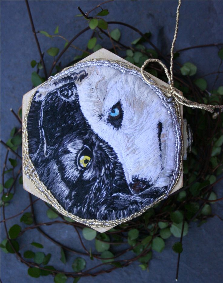 Fall Winter Weddings - Yin & Yang Wolves Box - Ring Bearer Box - Wedding Ring Box - Wedding Ring Holder - Woodland Wedding by BlackCatCreativeStd on Etsy https://www.etsy.com/listing/248925064/fall-winter-weddings-yin-yang-wolves-box