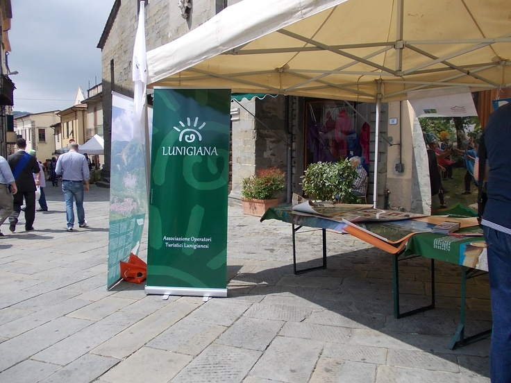 lo stand in piazza