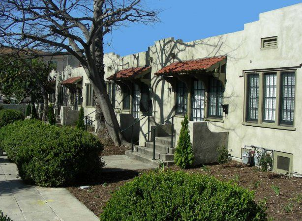 Hollywood Bungalow Courts | Los Angeles Conservancyhttps://www.laconservancy.org/locations/hollywood-bungalow-courts