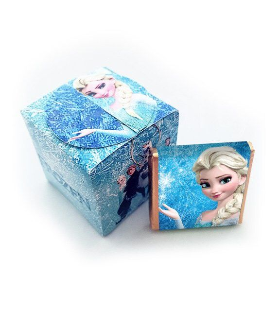 Cajitas con 5 minichocos de Frozen. Consíguelas en www.beekrafty.com Las personalizamos con lo que quieras! #beekrafty #pasionporcrear