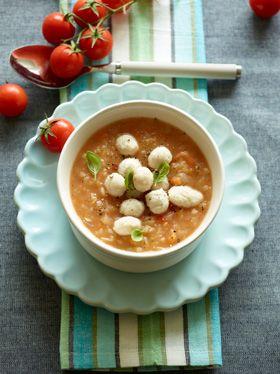Fyldig tomatsuppe Skøn suppe med kyllingeboller fra Familie Journals Slankeklub
