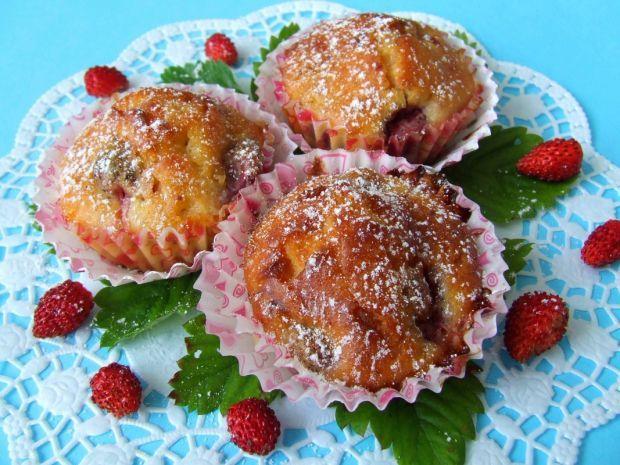 Muffinki z poziomkami i białą czekoladą. Niebo w gębie!