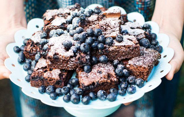 Mustikkabrowniet / Blueberry brownies / Kotiliesi.fi / Kuva/Photo: Riikka Hurri/Otavamedia