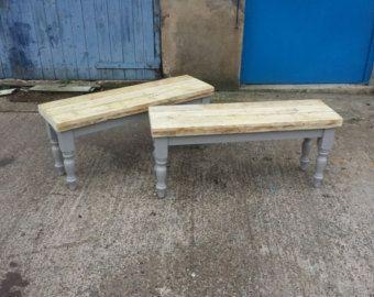 Shabby Chic ferme banc table à manger en bois de récupération. Fait sur mesure base peint. Cuisine de campagne chic gris blanc Farrow et Ball Chair