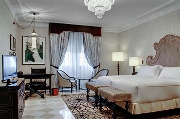 Hotel Alfonso XIII, a Luxury Collection Hotel, Seville, Sevilla | Starwood Preferred Guest (SPG) Guest Loyalty Program | Become an SPG Member Today Starwood Hotels & Resorts
