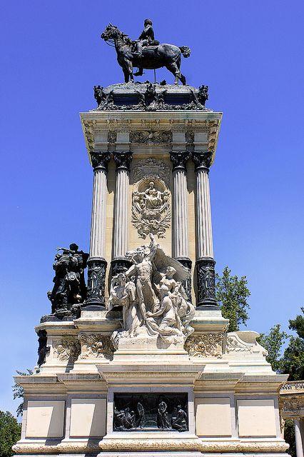 Monumento al Rey Alfonso XII. Parque del Retiro. Madrid. Spain.