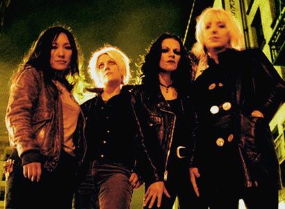 l 7 | L7 Biography, Music News, Discography @ 100 XR - The Net's #1 Rock ...