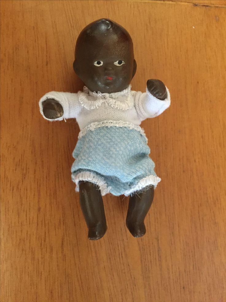 Muñeco de porcelana restaurado 5cm
