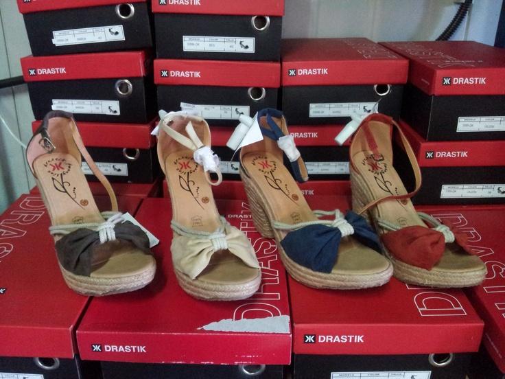 Începând de astăzi te aşteptăm de la ora 9 până la orele 22 să îţi alegi sandalele preferate! Te aşteptăm la miniPrix Otopeni!