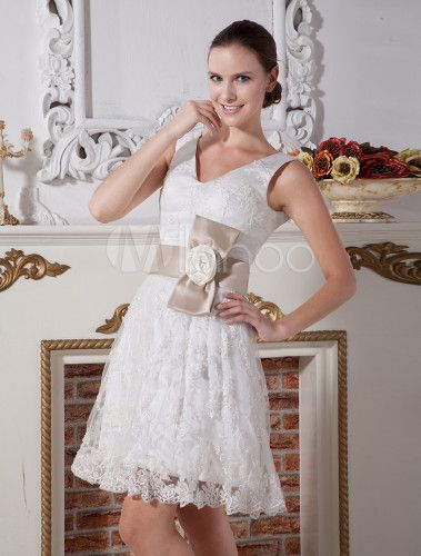 Knee-Length White A-Line Wedding Dress with Flowers