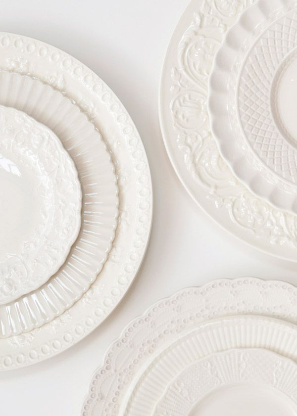 Country goes elegant with these heirloom plates.