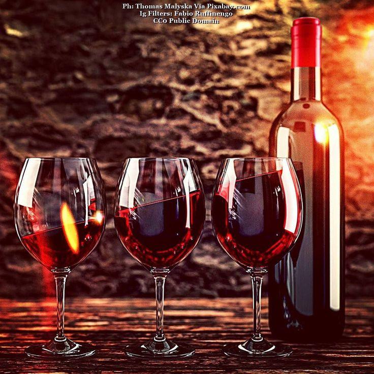 It's wineday...#winebar #winetasting #winecountry #winestagram #wineanddine #winelover #winelovers #winenight #wineglass #wineoclock #winetime #vino #vinotinto #vineyard #vineyards #winewednesday #grapes #grapeseed #winecountry #bubbles #drink #glass #wineanddine #cocktail #drink #buongiorno #goodmorning