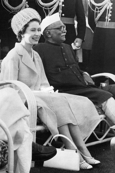La reine Elizabeth II avec le président indien Rajendra Prasad à New Delhi en 1961
