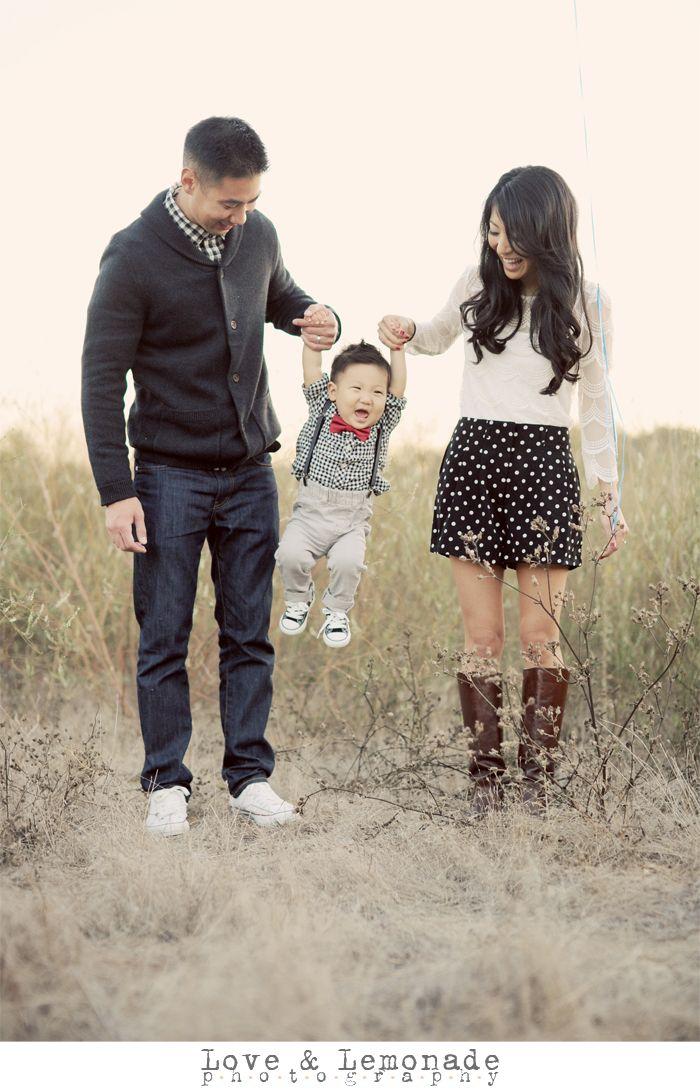 orange county family photographer baby photos with red balloon 007 Orange County Family Photography: Baby Zachary & Family!