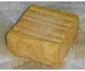 """Omdat Herve in het oude hertogdom Limburg lag, wordt de kaas ook wel Limburgse kaas genoemd. verschijnsel geworden onder de naam """"Limburger Cheese"""". Zelfs bij Laurel en Hardy in een film"""
