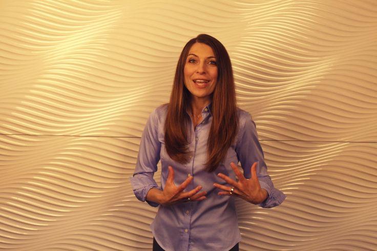 Już 23 września, po raz pierwszy w Warszawie o wyjątkową energię słowa podczas niezwykłego Power Show zadba Olga Kozierowska! Inicjatorka wsparcia i promocji kobiet w Polsce w życiu społecznym i gospodarczym. Z ciekawostek, muzyk instrumentalista.  Od lat szkoli, motywuje i wspiera rozwój zawodowy i duchowy Polek. Posiada wieloletnie doświadczenie w biznesie, które zdobywała pracując w międzynarodowych korporacjach a następnie rozwijając swoje dwie firmy.