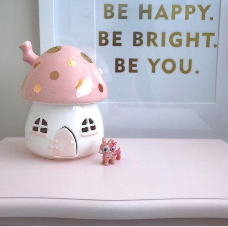 Nursery lamp by little belle www.little-belle.com #littlebelle #handmade #fairylight #fairylights #happy #weekend #girlsroom #nightlight #nightlights #nzdesigner #nzdesign #babyroom #babygift #nursery #nurserydecor