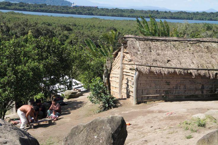Reuniões têm como objetivo apresentar aos índios como funciona o processo legal de revisão da área da poligonal dos portos de Paranaguá e Antonina. As comunidades indígenas do litoral do Paraná participaram do processo de consulta pública