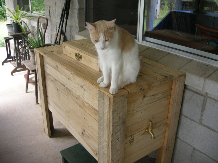 cooler box made from discarded pallets