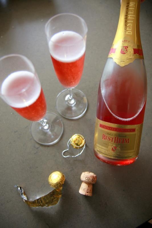 Le Crémant d'Alsace brut de la maison Bestheim, avec ses bulles fines et persistantes, est gage de succès!