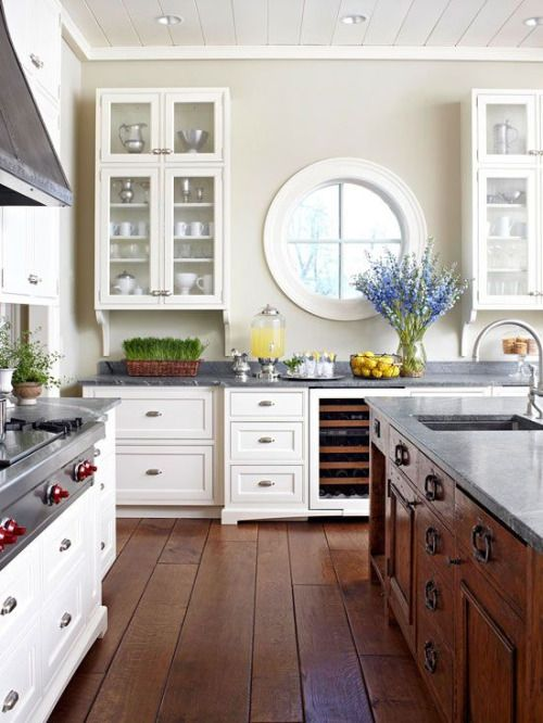 Love the color contrast. Beautiful kitchen!