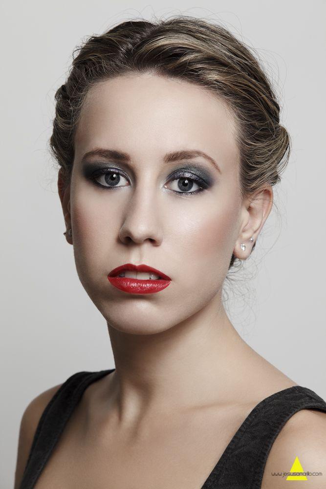 Maquillaje para todos tus eventos en Novo Peluquería, ven a descubrirnos #novopeluqueria #maquillaje