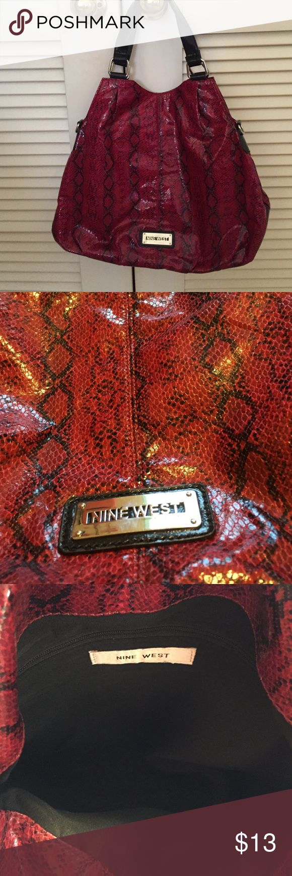 Nine West Purse Red and black printed Nine West purse. Still in good condition with no marks or stains. Nine West Bags Hobos