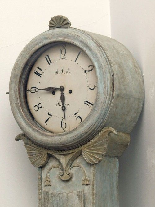 ~ beautiful antique mora clock