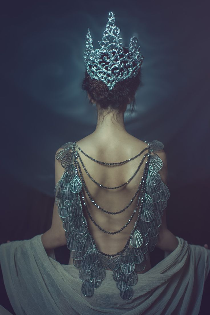 """Amphitrite"" — Photographer: Jiamin Zhu JaJasgarden Crown/Jewelry: Namiko Abloom Hair: Matt Lawrence Makeup: Liz Kiss Model: Michelle Green"