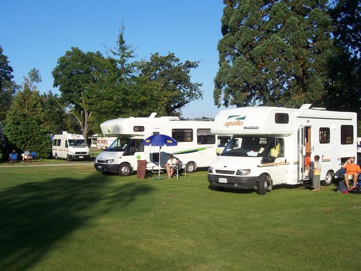 The Geraldine Kiwi Holiday Park & Motel is a tranquil park set among huge specimen trees in the centre of town. There is an outdoor chess set, pentanque, Bike and Pedal car hire available on site.