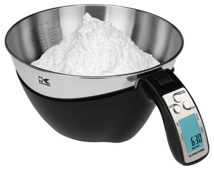 measuring cup and scale -modern small kitchen appliances by Kalorik