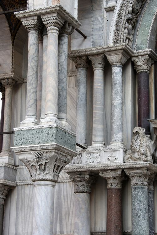 1000 images about capitals and columns on pinterest us for Architecture byzantine definition