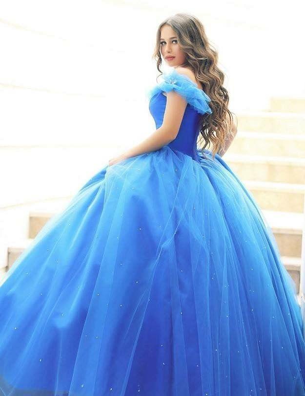 Vestido de quinceañera color azul cielo