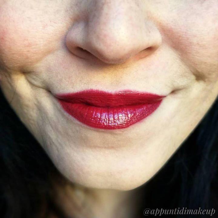 Dettaglio della tinta @maybelline Superstay 24H color numero 542 Cherry pie... Il rossetto di Biancaneve  come matita ho usato Vino di @nevecosmetics  #LOTD #lipsoftheday #appuntidimakeup #igers #igersitalia #ibblogger #bblogger #igersroma #love #picoftheday #photooftheday #amazing #smile #instadaily #followme #instacool #instagood http://ift.tt/1TFKZ3u