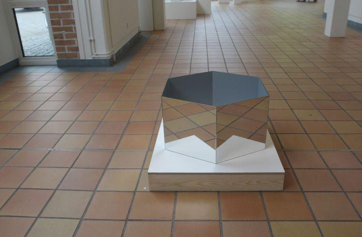 Hexagon. > 55x55x15. Galleri Koch, Stenungsund, Sweden