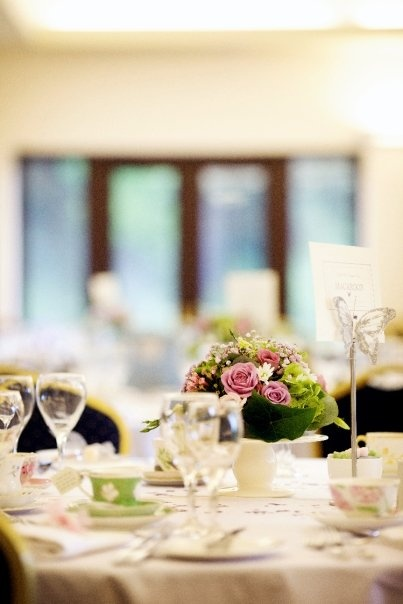 Vintage garden party style table settings & 141 best Ladies luncheon images on Pinterest | Decorating ideas ...
