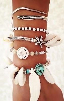 love this beach theme arm candy