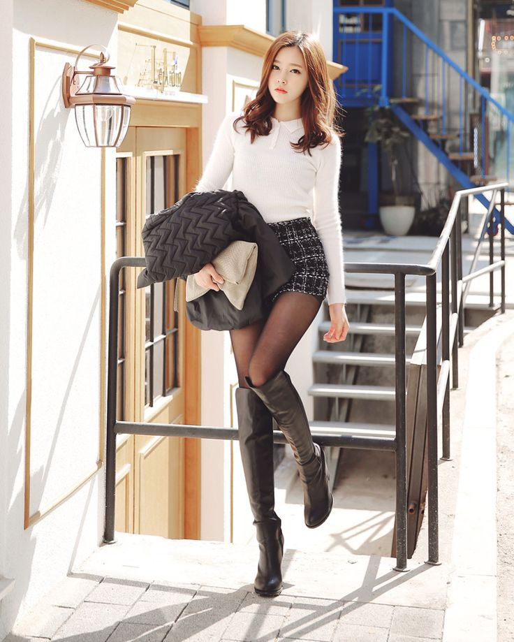 street / boots / outfit/ shorts / winter