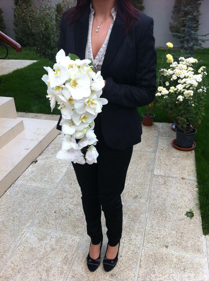 Buchet alcatuit din orhidee phalaenopsis