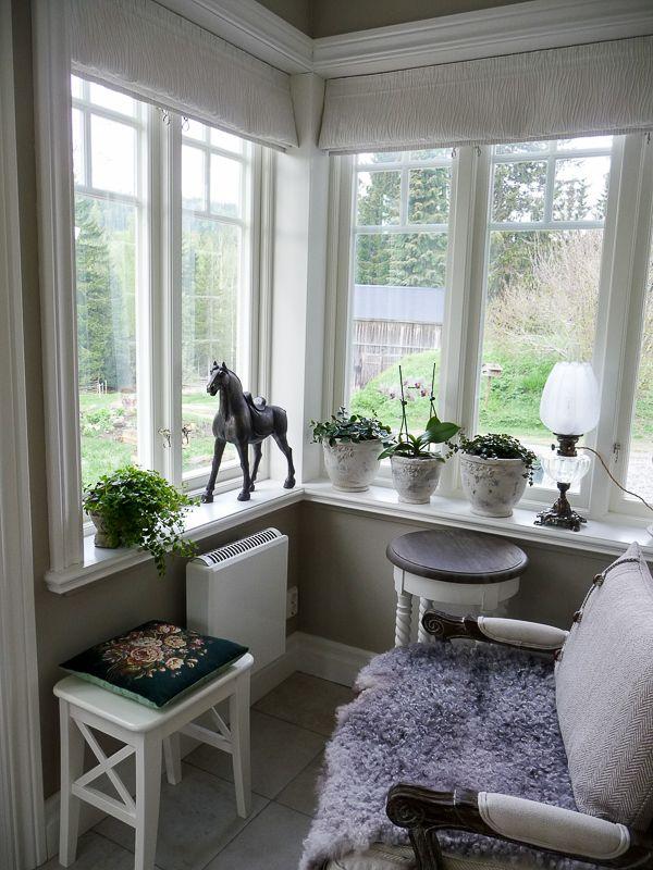 Bilder från Stöde på fönster och en pardörr. | www.allmoge.se