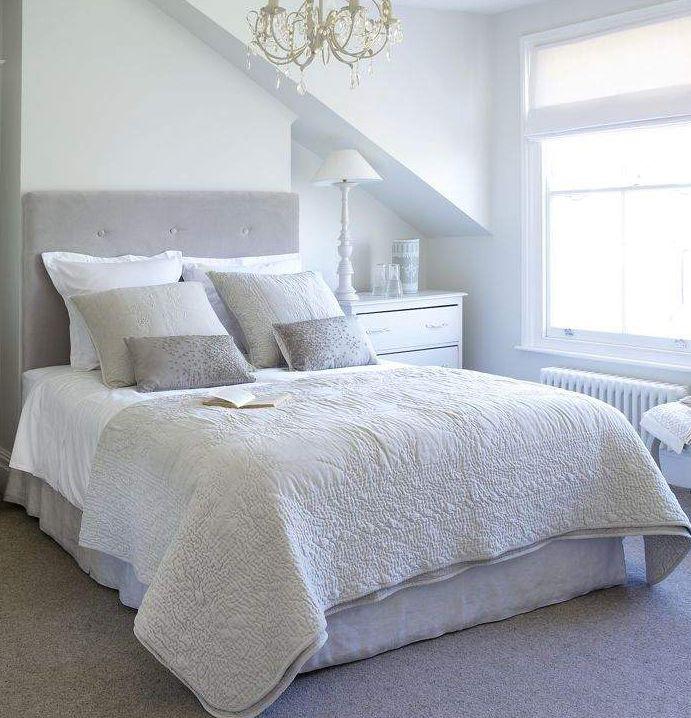Bädda sängen varje morgon. Det är alltid härligare att lägga sig i en bäddad säng