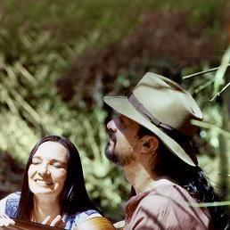 """Os músicos Oswaldinho e Marisa Viana se apresentam no dia 26 de maço no Clube Etílico Musical (CEM), a partir das 18h. A entrada custa R$5. A dupla apresenta o show """"Causos e Cantorias"""", que conta com composições de seus três CDs e clássicos da música popular. Além das músicas, são contados causos do universo...<br /><a class=""""more-link"""" href=""""https://catracalivre.com.br/geral/agenda/barato/dupla-caipira-se-apresenta-no-cem/"""">Continue lendo »</a>"""