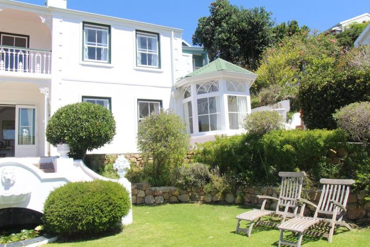 http://www.tripadvisor.co.za/VacationRentalReview-g319718-d7685241-Fisherman_s_Cove_on_Boulders_Beach-Simon_s_Town_Western_Cape.html