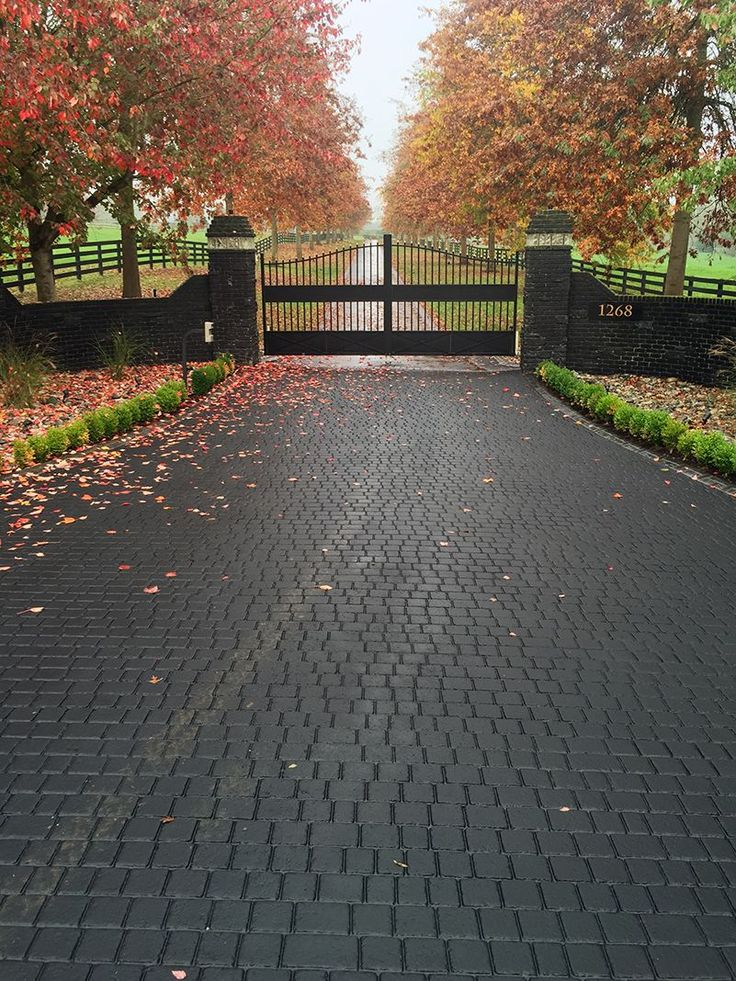 stamped driveway using StreetPrint genuine stamped asphalt