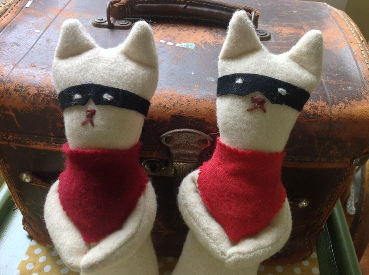 Bandit+Felt+wool+toy+upcycled+blanket+cat+funky