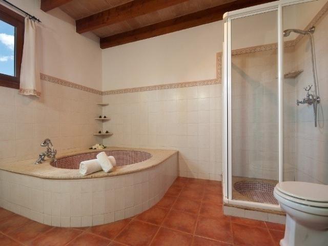 Increible villa en Pollensa (Mallorca) donde además puedes disfrutar un baño con burbujas