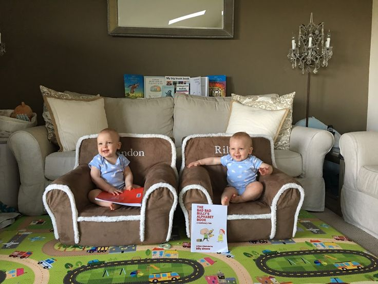 12 month twins schedule and goals. Bottle weaning, transition to sippy cups, and more!